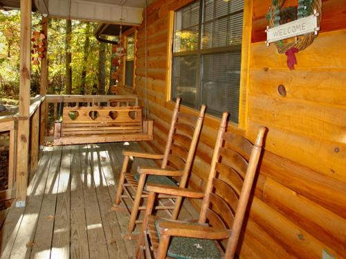 Autumn Breeze Cabin Photo