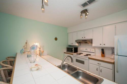 Tradewinds Condominiums #33 Photo