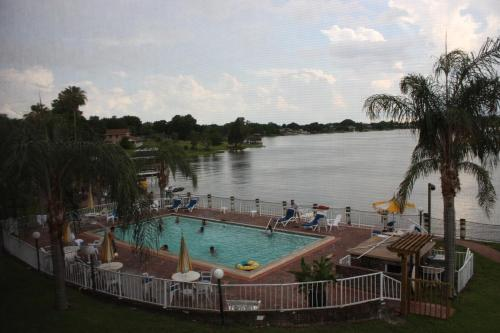 Lake Roy Beach Inn - Winter Haven Photo
