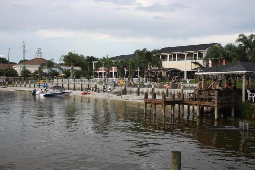 Photo of Lake Roy Beach Inn - Winter Haven