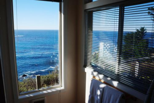 Sea Cloud Cliffside Cottage Photo