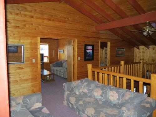 Lazy M Lodge Photo