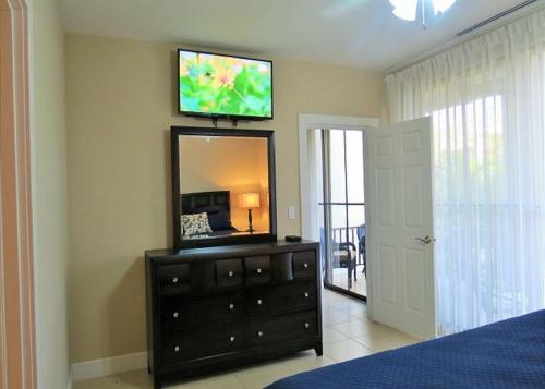 Three-Bedroom Apartment - Pacifico Boulevard Photo