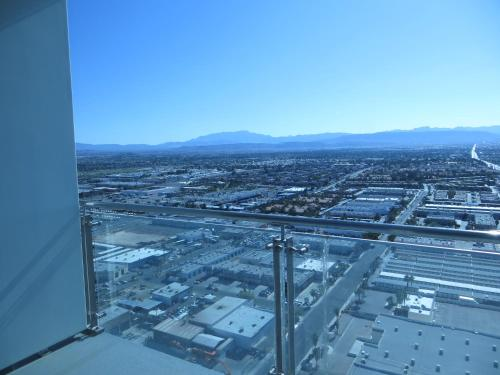 Palms Place Suite with Mountain View Photo