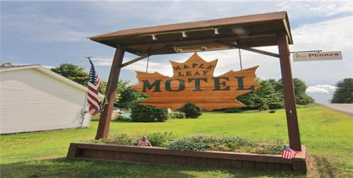 Maple Leaf Motel Schroon Lake