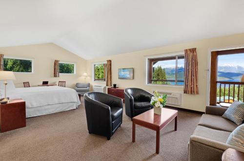 Kootenay Lakeview Spa Resort & Event Centre Photo