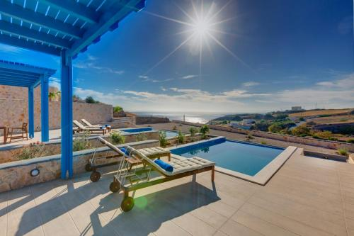 Desiterra Suites with Private Pool - fira Greece