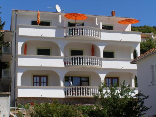 Apartments Perina Tisno