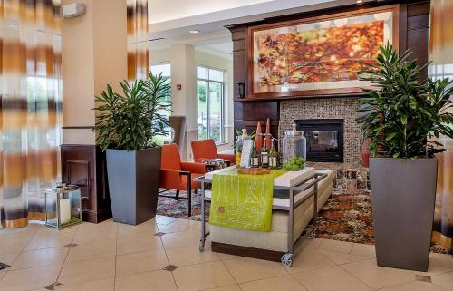 Hilton Garden Inn St. Louis Airport Photo