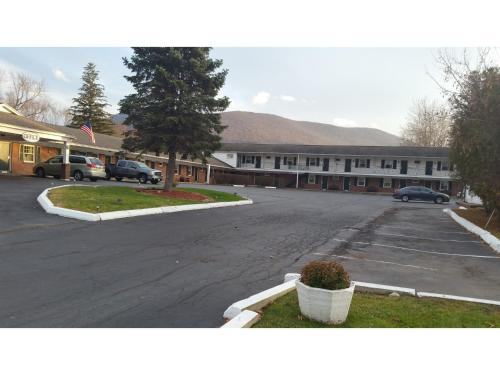 Howard Johnson Express Inn Williamstown Photo