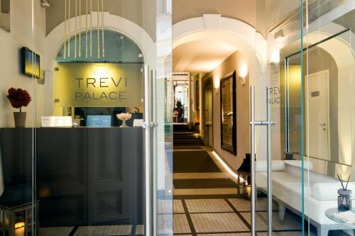 Trevi Palace Luxury Apartments, Рим