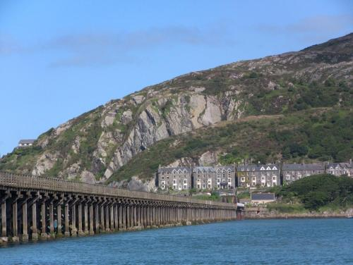 Photo of Dros y Dŵr Hotel Bed and Breakfast Accommodation in Barmouth Gwynedd