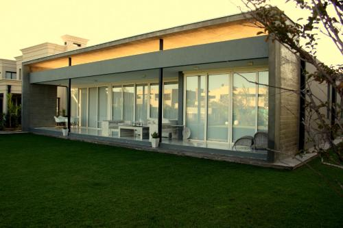 Modern Country House Photo