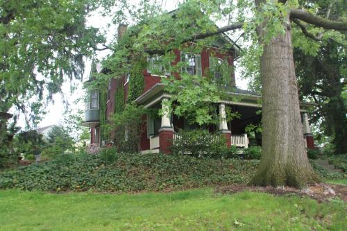 Amanda Gish House Bed & Breakfast Photo
