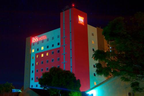 Ibis Cascavel Photo