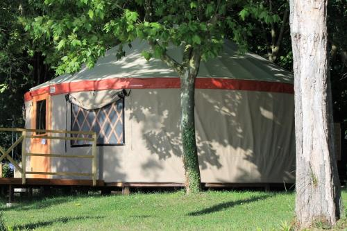 Parco del Lago glamping and lodges, Ангуйллара-Сабация