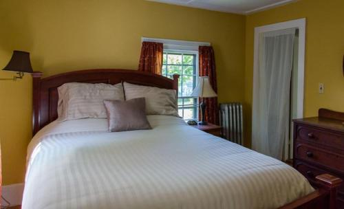 Old Parsonage Guest House Photo