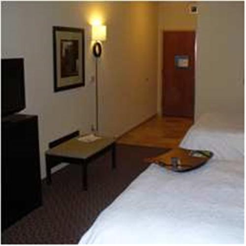 Hampton Inn & Suites Enid Photo