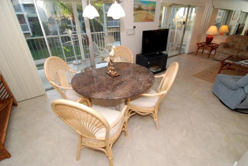 Sanibel Siesta on the Beach Unit 601 Photo