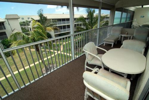 Sanibel Siesta on the Beach Unit 605 Photo