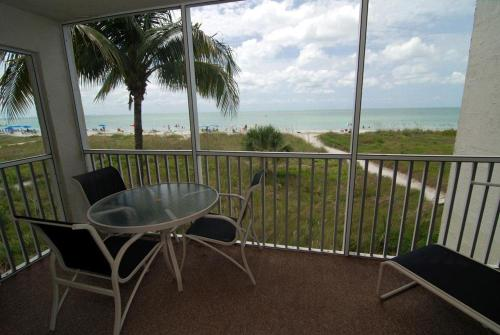 Sanibel Siesta on the Beach Unit 503 Photo