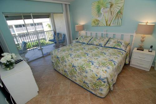 Sanibel Siesta on the Beach Unit 505 Photo