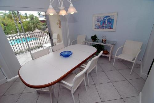 Sanibel Siesta on the Beach Unit 301 Photo