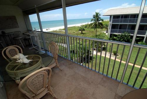 Sanibel Siesta on the Beach Unit 608 Photo