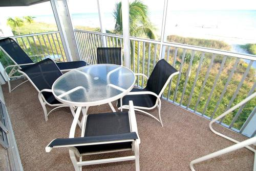 Sanibel Siesta on the Beach Unit 506 Photo