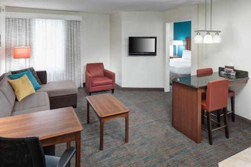 Residence Inn Beaumont Photo