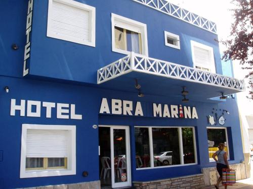 Abra Marina Hotel Photo