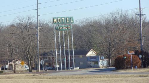 Eastwood Motel Photo