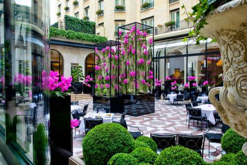 Four Seasons Hotel George V Paris photo 12