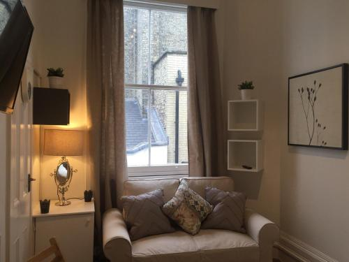Stylish Studio - Kensington