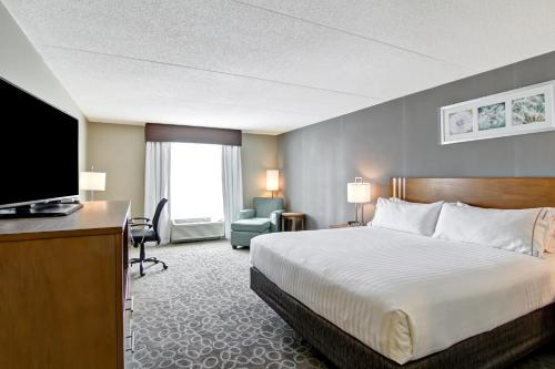 Holiday Inn Express & Suites Oshawa Downtown - Toronto Area Photo