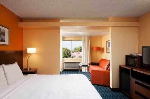 Country Inn & Suites By Carlson, Phoenix Airport Photo