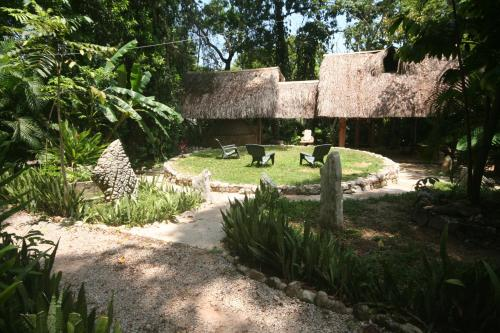 Yaxkin Hostel-Palenque Photo