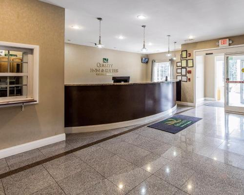 Quality Inn & Suites Bremen Photo