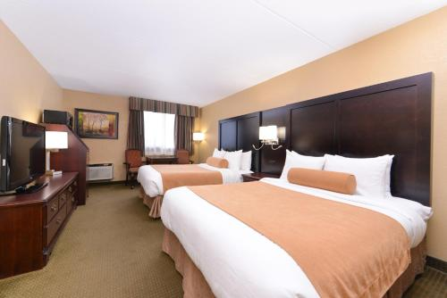 Best Western Plus Mariposa Inn & Conference Centre Photo