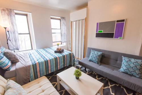 Large Three Bedroom Apartment - NYC Photo
