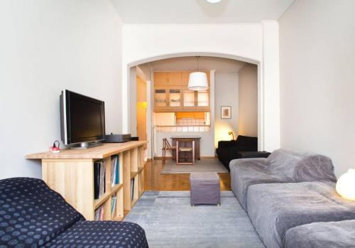 http://www.booking.com/hotel/gr/city-link-victoria-sq.html?aid=1728672