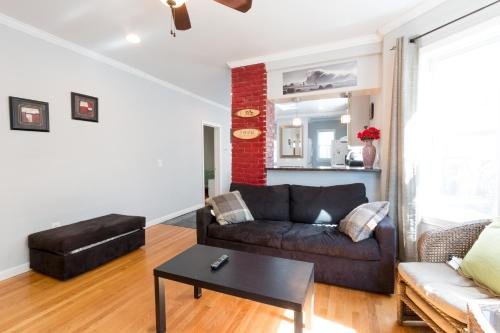 3 Bedroom Apartment on Quiet Somerville Street Photo
