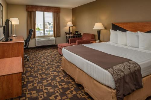 Red Lion Inn & Suites Kennewick Convention Center Photo
