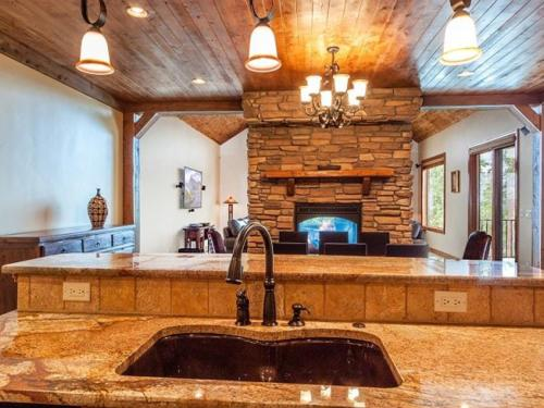 Granite Peaks Villa Photo