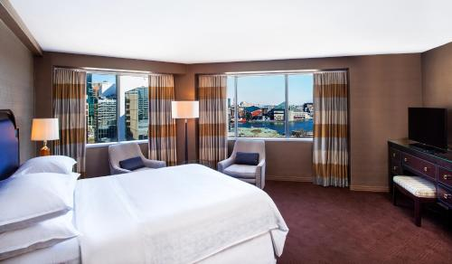 Sheraton Inner Harbor Hotel Photo