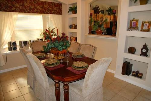 Palm Harbor Holiday Home #8512 Photo