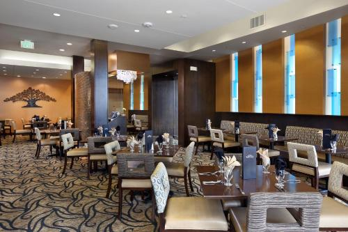 DoubleTree by Hilton Hotel Denver - Thornton Photo