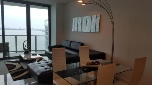 Waterfront Deluxe Apartment with Parking Photo