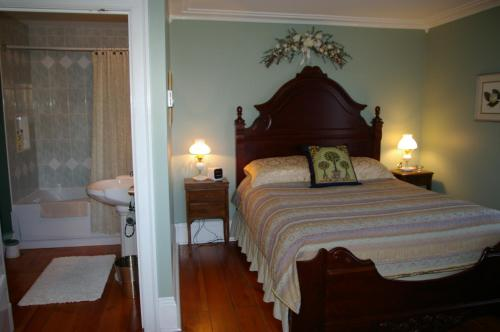 Royal Manor Bed & Breakfast Photo