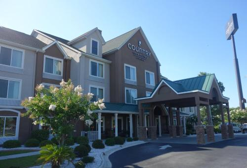 Country Inn & Suites Savannah North Photo